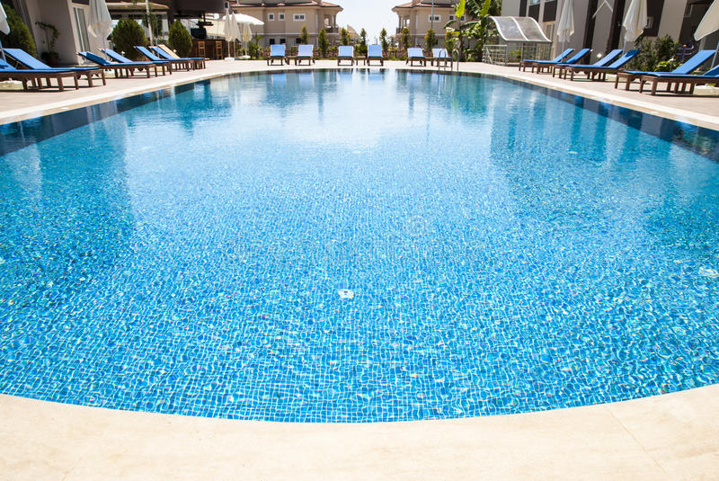 Wide angle swimming pool