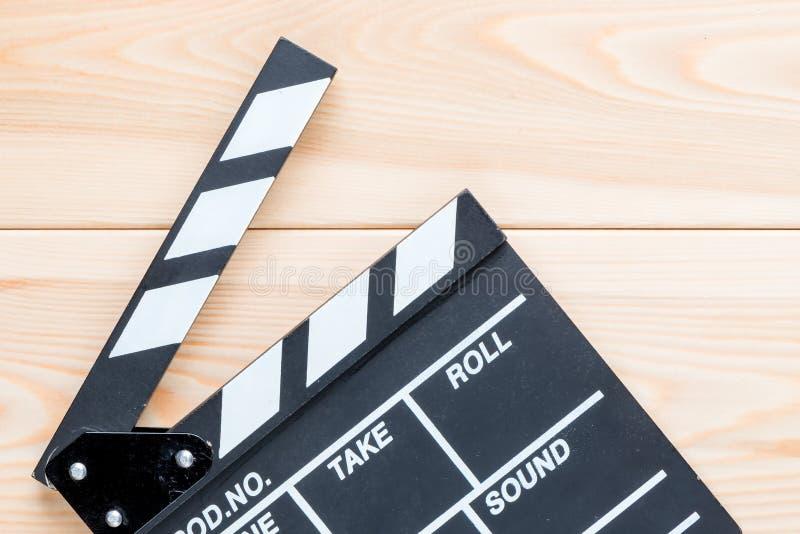 Wideo clapper bez inskrypcj na drewnianej podłoga zdjęcie stock