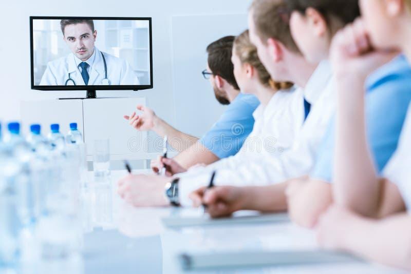 Wideo konsultacja z studentem medycyny fotografia stock