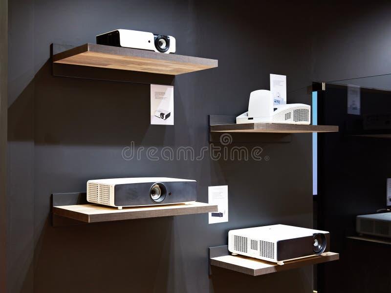 Wideo projektory w sklepie obrazy royalty free