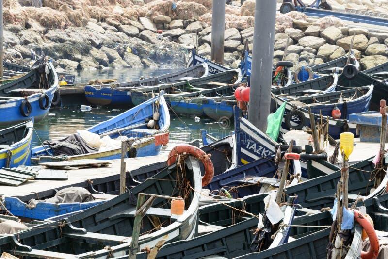 Widok łodzie rybackie w Essaouira porcie fotografia stock