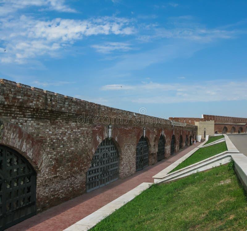 Widok ściana Kazan Kremlin w z wewnątrz Kazan, Rosja obraz stock