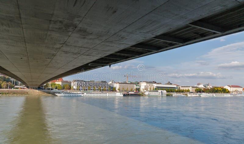 Widok śródmieście spod mosta bratislava Slovakia fotografia royalty free