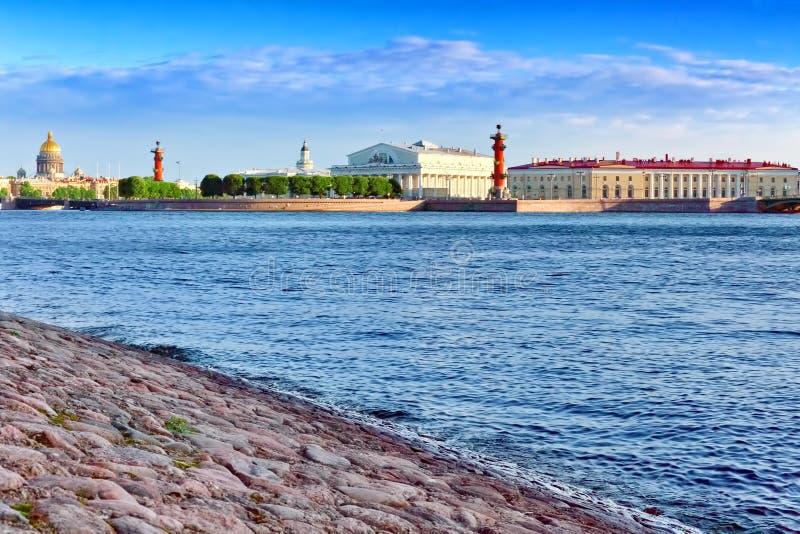 Widok Świątobliwy Petersburg od Neva rzeki. Rosja obrazy stock