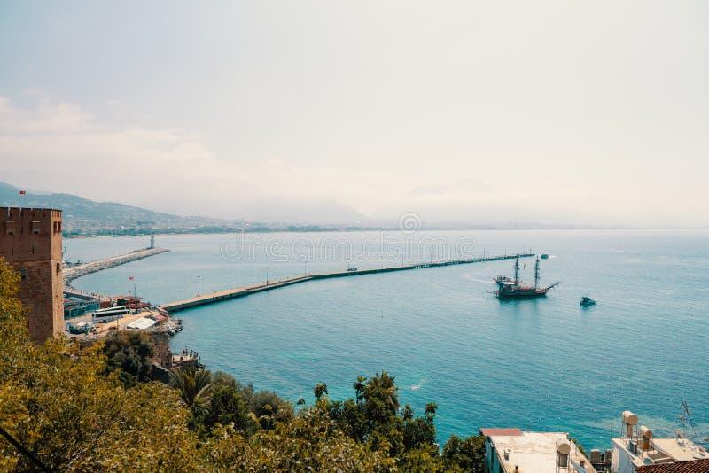 Widok Alanya schronienie przed zmierzchem Ładny morze krajobraz obraz royalty free