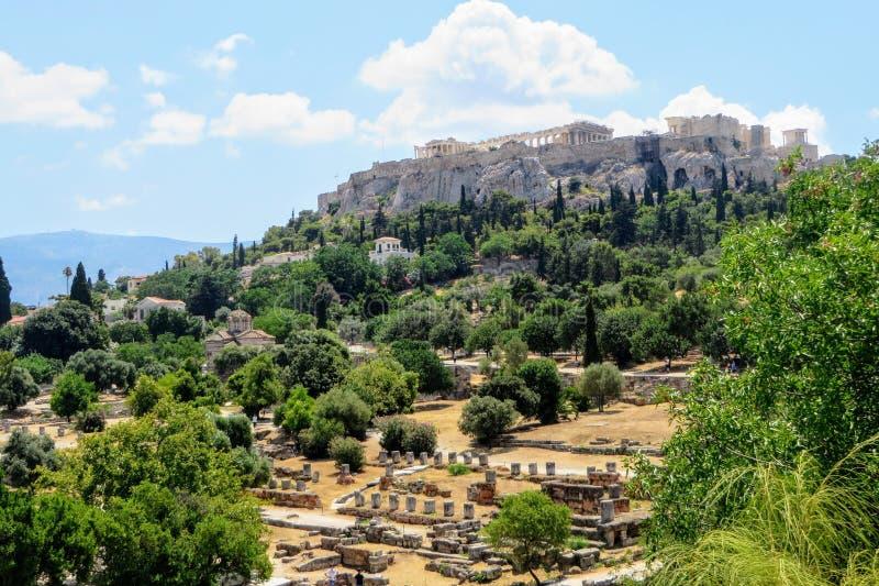 Widok antyczna agora Ateny z Parthenon w tle i akropolem fotografia stock