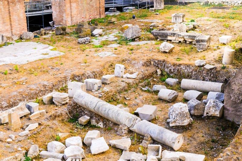 Widok Archeologiczne ekskawacje na Romańskich forach Ruiny antyczny Rzym fotografia stock