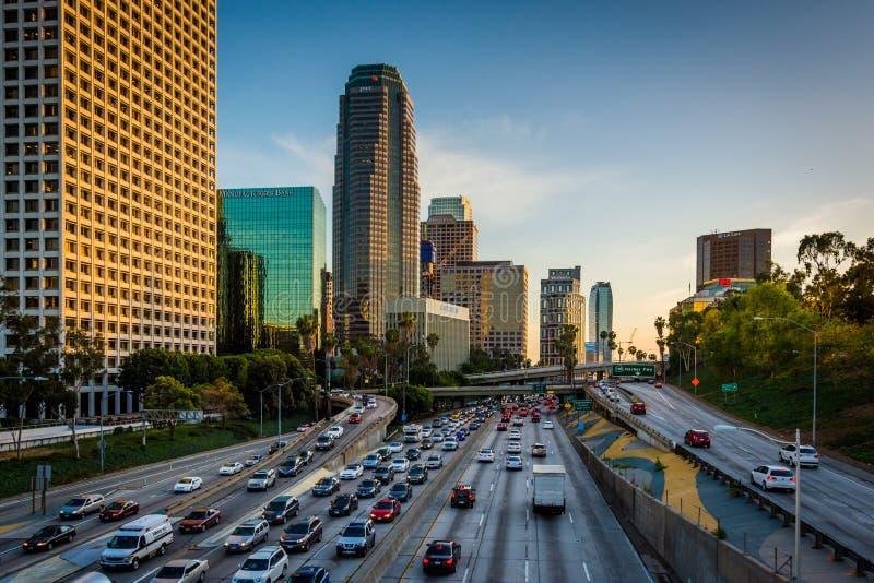 Widok 110 autostrada od 4th ulica mosta w śródmieściu, obrazy stock
