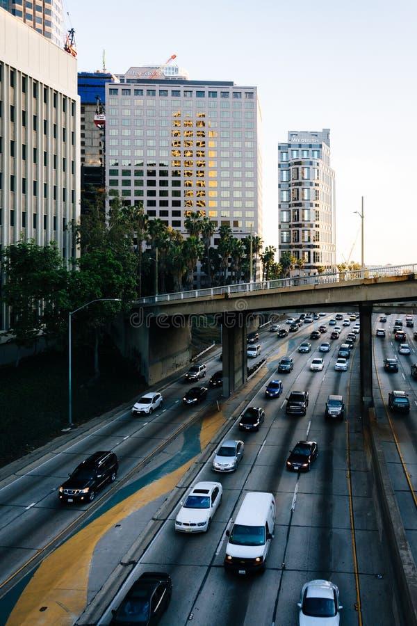 Widok 110 autostrada od 5th ulica mosta w śródmieściu, fotografia stock