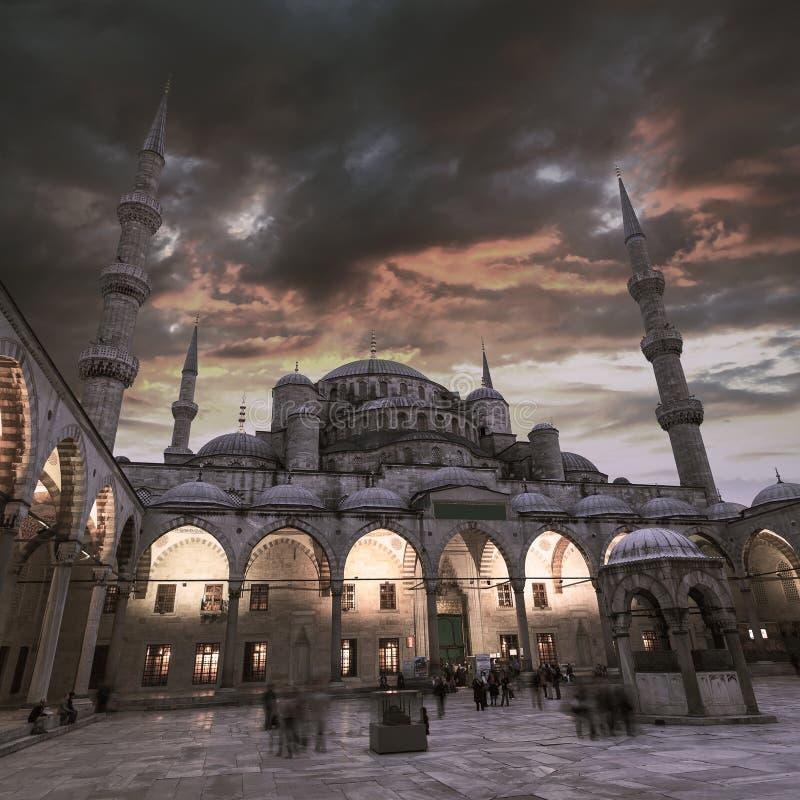 Widok Błękitny meczet w Istanbuł z pięknym zmierzchu niebem obrazy royalty free