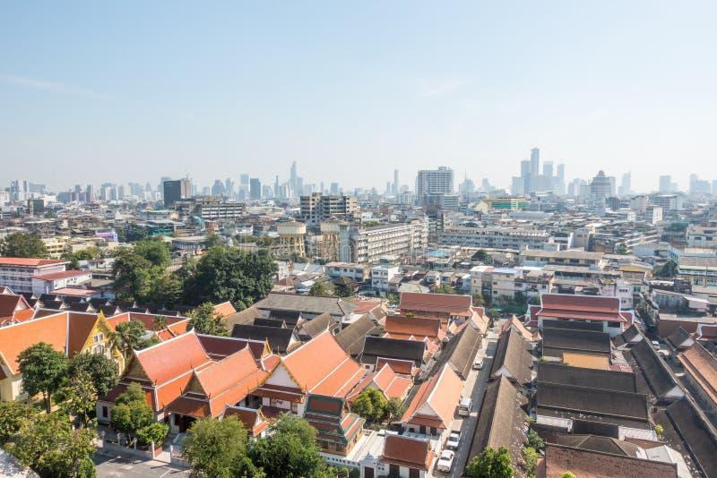Widok Bangkok od Złotej góry przy Watem Saket zdjęcie stock