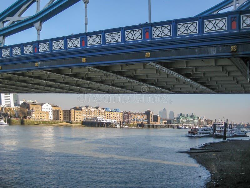 Widok banki Rzeczny Thames pod królowej wierza mostem w Londyn, UK zdjęcie royalty free