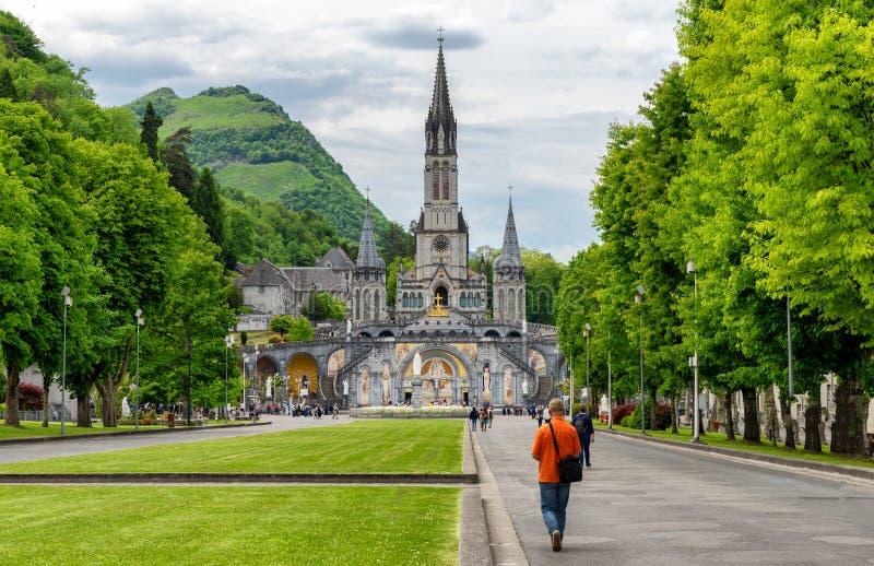 Widok bazylika Lourdes w Francja fotografia stock