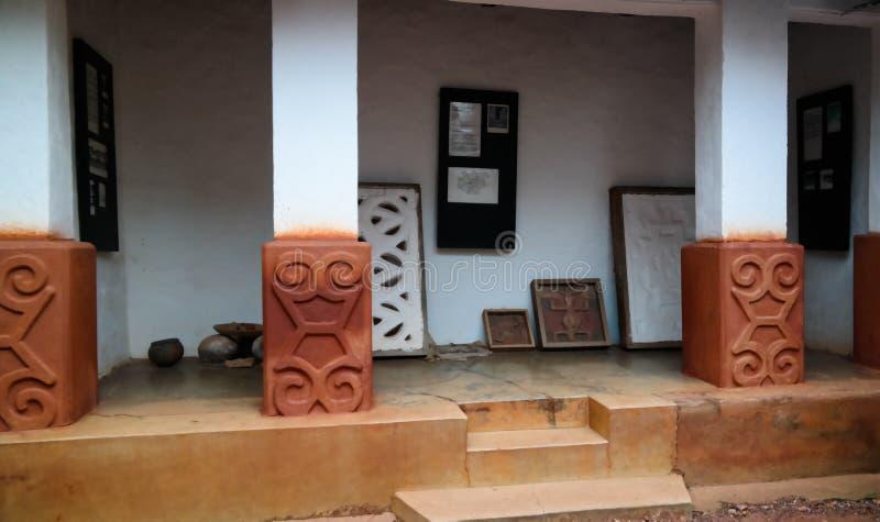 Widok Besease Asante Tradycyjna świątynia przy, Ejisu, Kumasi, Ghana fotografia stock