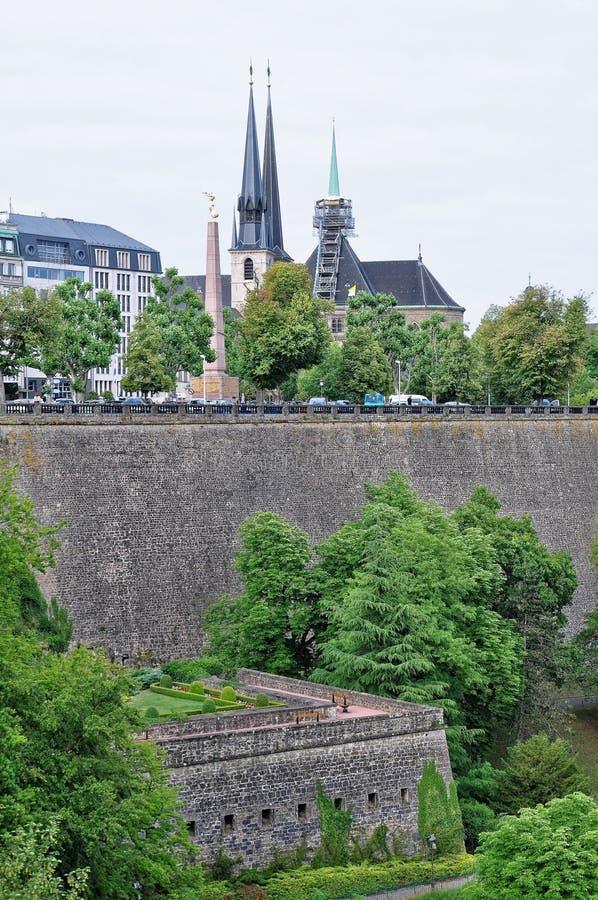 Widok bock kazamaty od mosta w Luksemburg mieście zdjęcie stock