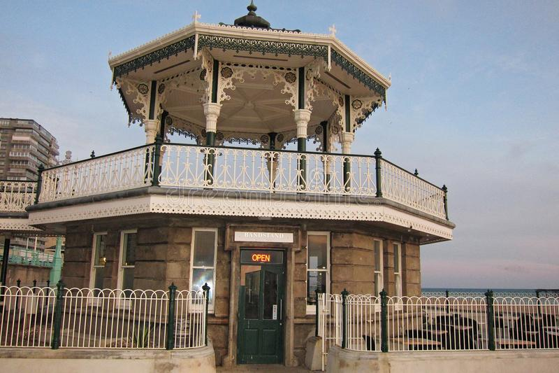 Widok Brighton bandstand w słonecznym dniu obraz royalty free
