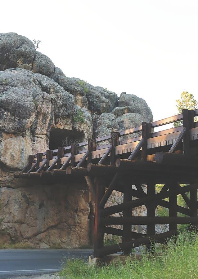 Widok C C Gideon tunel i piękny most w Południowym Dakota obraz stock