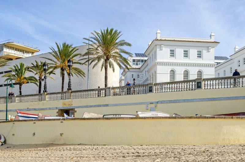 Widok Cadiz deptak od plażowego losu angeles Caleta w Cadiz, S zdjęcie royalty free