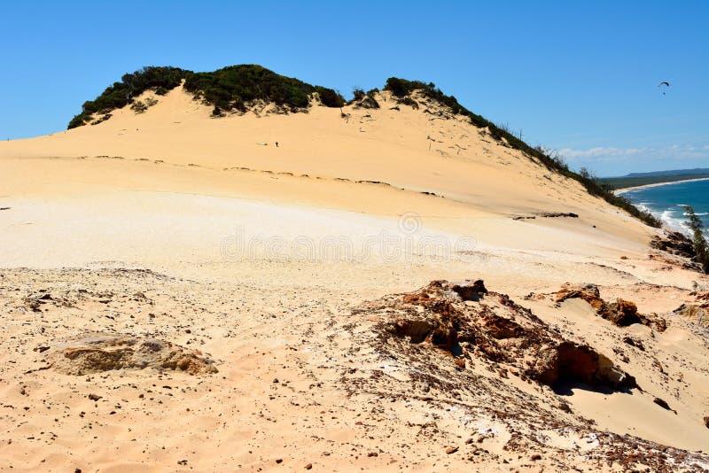 Widok Carlo Sandblow nad tęczy plaża na Fraser wybrzeżu Queensland, Australia obrazy royalty free