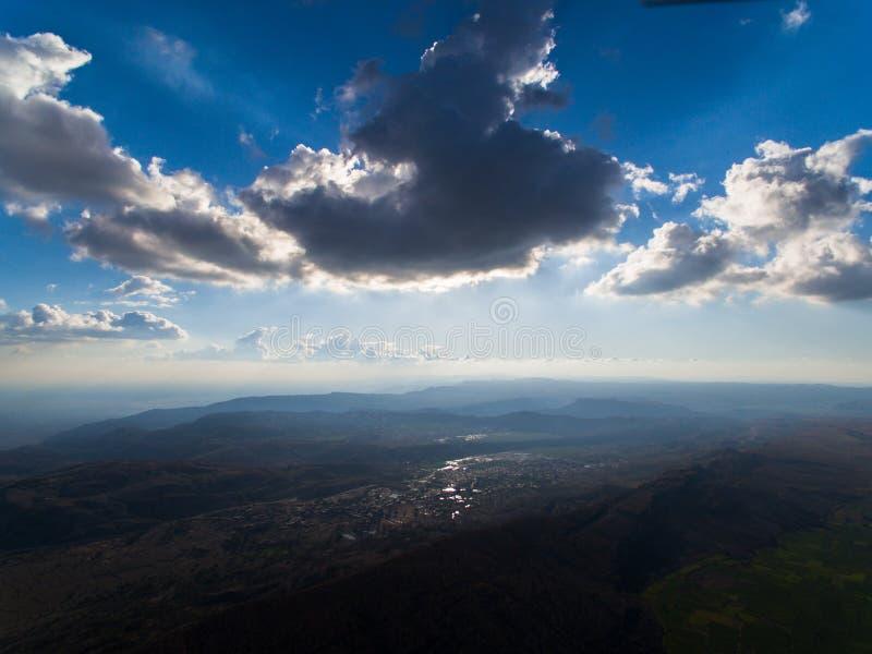 Widok chmury i wioska obrazy royalty free