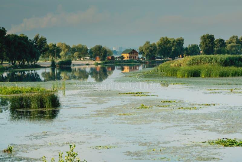 Download Widok dom rybak zdjęcie stock. Obraz złożonej z wieś - 57664680
