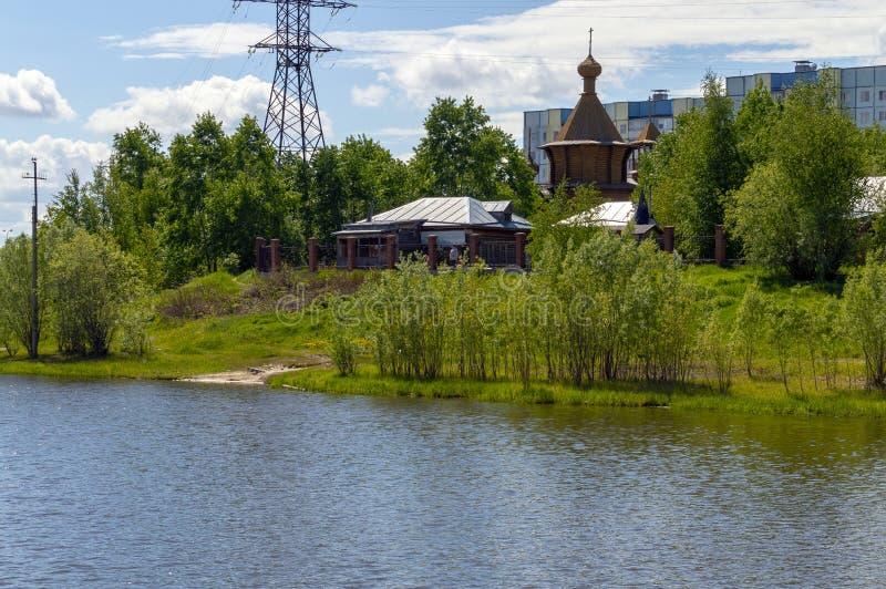 Widok drewniana «świątynia w imię Wszystkie Saints w ziemi Syberyjska jata «od uniwersyteta fotografia royalty free