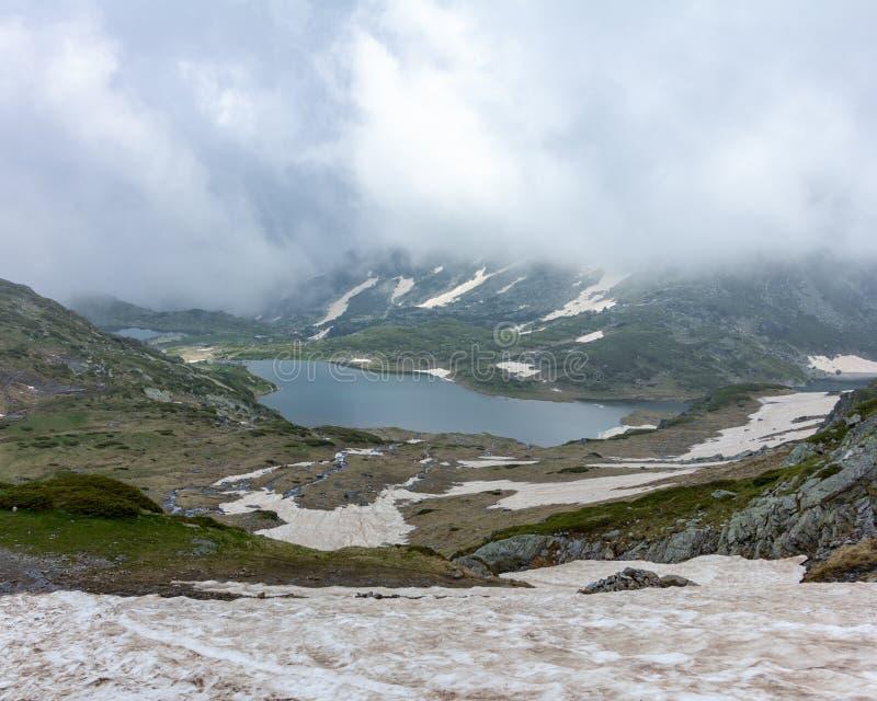 Widok dwa Siedem Rila jezior w Bułgaria fotografia royalty free