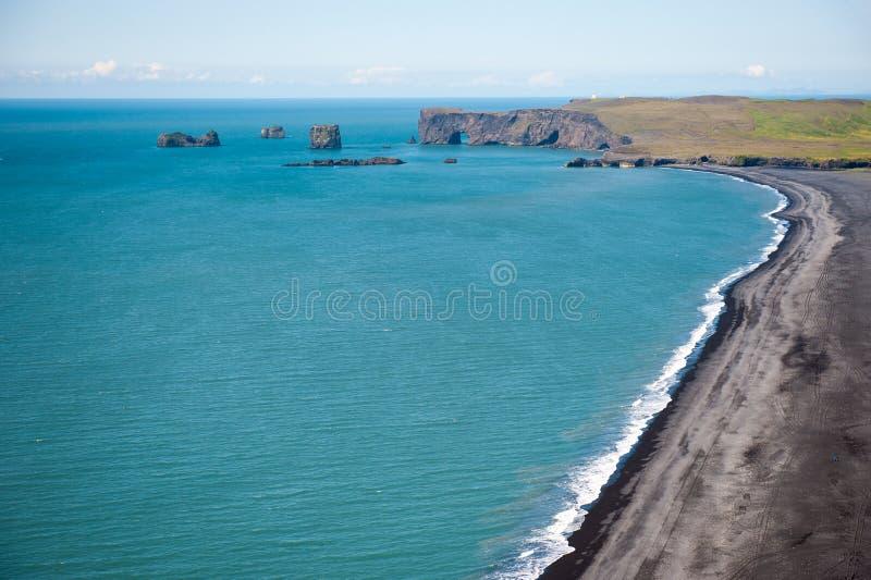 Widok Dyrholaey od Reynisfjara góry, Iceland zdjęcia stock