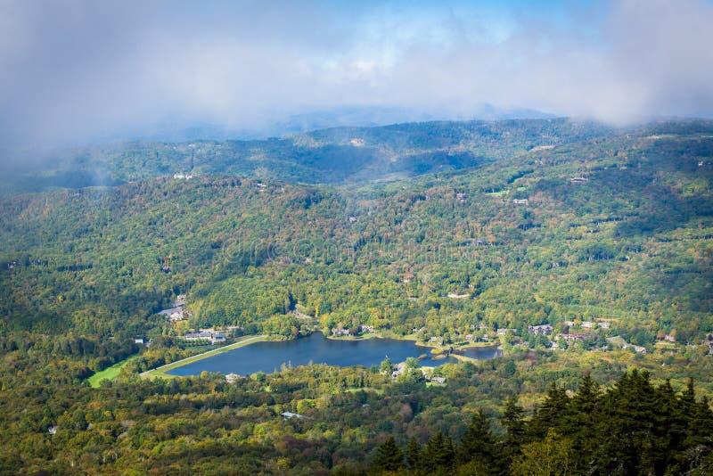 Widok Dziadek jezioro od Dziadek góry, Północny Carol obraz stock