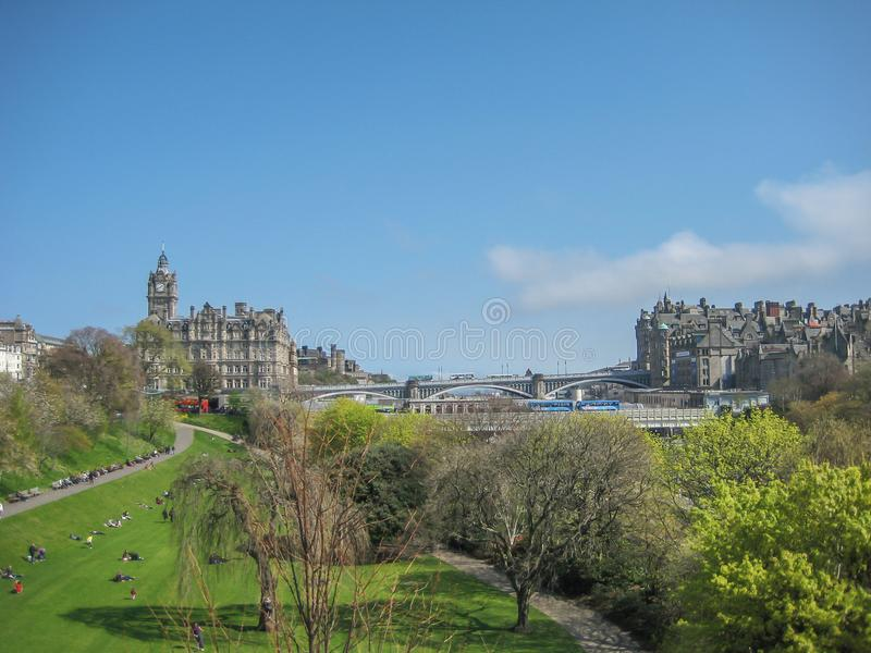 Widok Edynburg centrum miasta z książe ulicy ogródami, zdjęcia stock