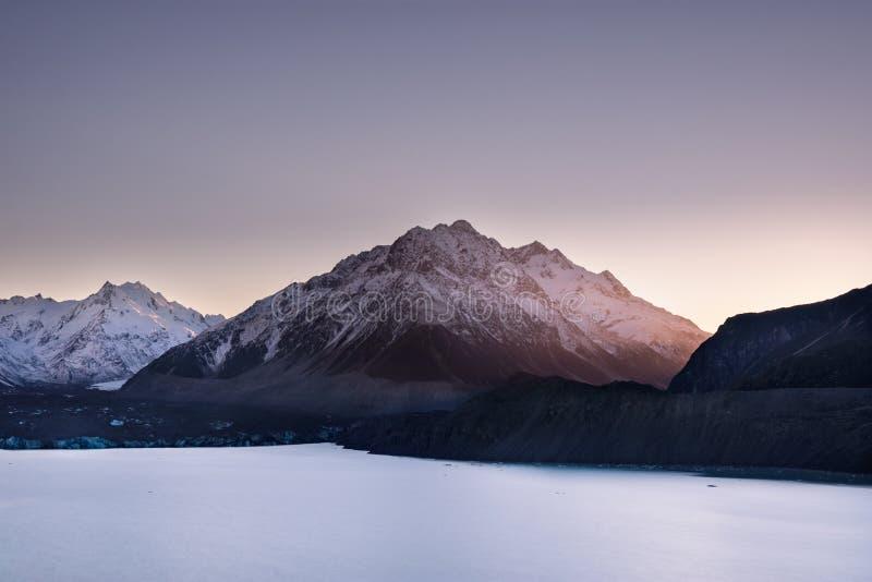 Widok Fjord, jezioro i góry przy Aoraki Mt, Kucbarski obywatel fotografia royalty free