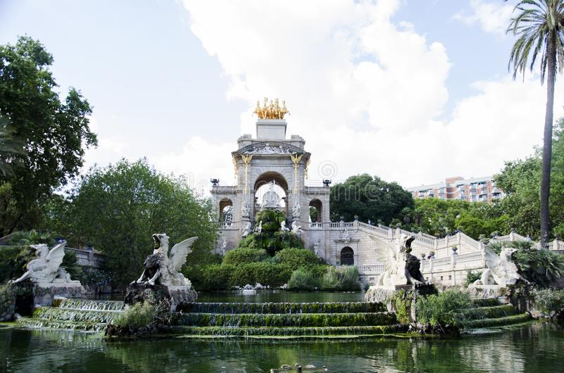 Widok fontanna Parc De Los angeles Ciutadella w Barcelona, Hiszpania Parc De Los angeles Ciutadella jest parkiem na obrazy stock