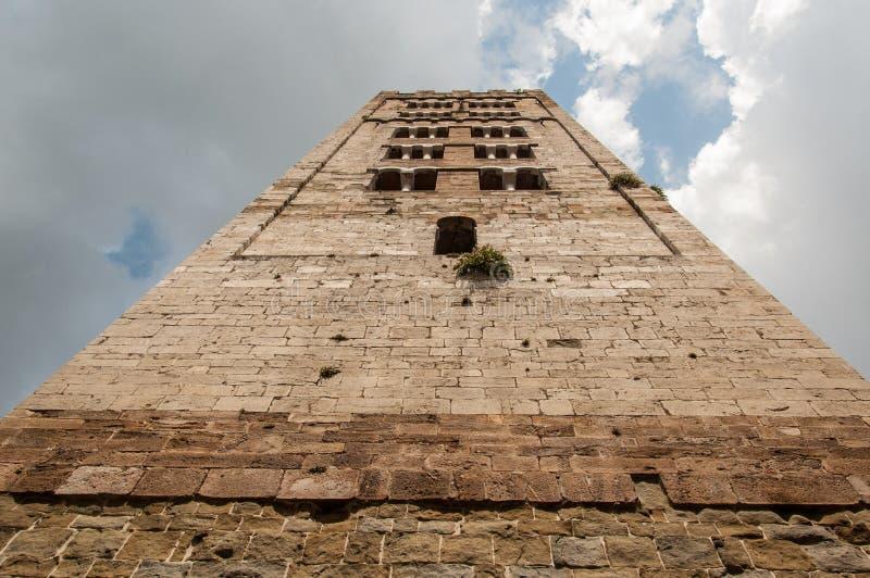 Widok forma below średniowieczny włocha wierza dzwon obraz royalty free