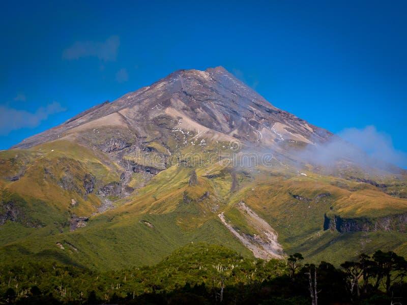 Widok góra Egmont lub Taranaki wulkan fotografia royalty free