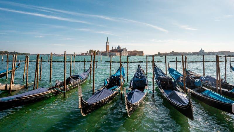Widok Gondolasa w pobliżu Piazza San Macro Główna plama i punkty orientacyjne w Wenecji w południe przed jesienną sezoną , Wenecj zdjęcia royalty free