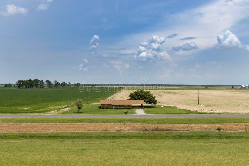 Widok gospodarstwo rolne w obszarze wiejskim stan Mississippi, blisko rzeki mississippi fotografia royalty free