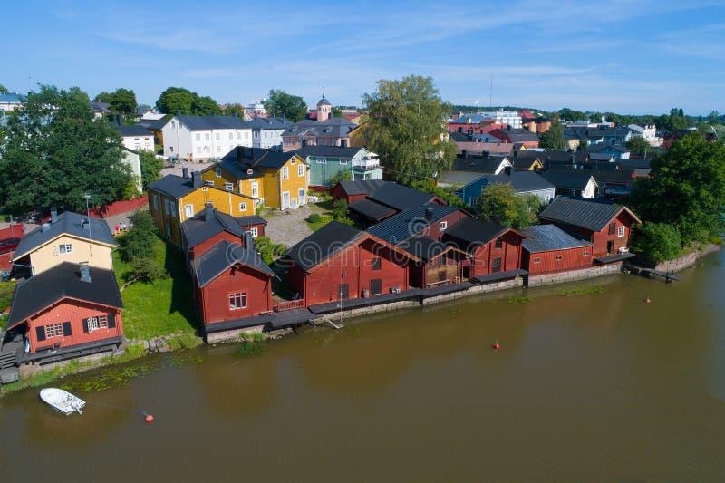 Widok historyczny centrum Porvoo, Lipa dzień Finlandia zdjęcie stock