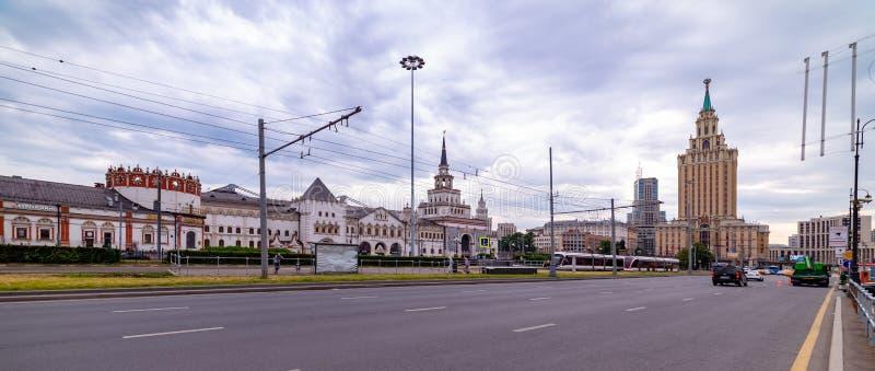 Widok Hotelowy Leningradskaya, Kazan stacja, Komsomolskaya kwadrat w Moskwa, fotografia stock