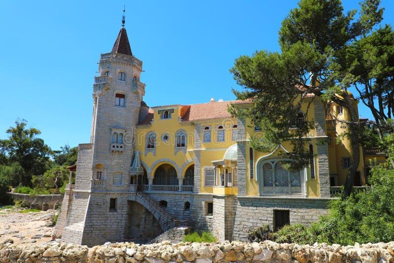 Widok Hrabiowski ` s Castro Guimarães pałac w Cascais, Portugalia obraz stock