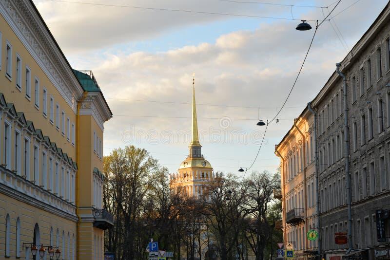 Widok iglica admiralicja w Voznesensky perspektywie, zdjęcie stock