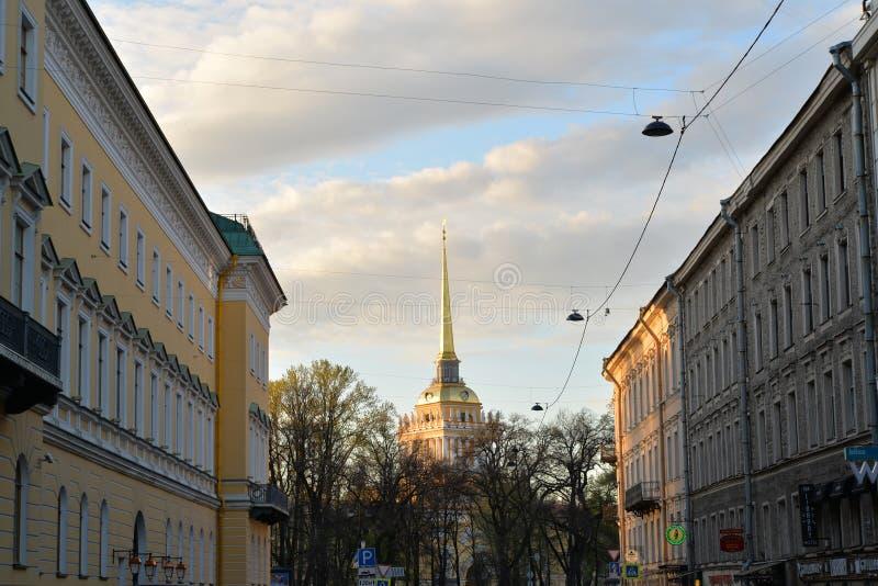 Widok iglica admiralicja w Voznesensky perspektywie, zdjęcia stock