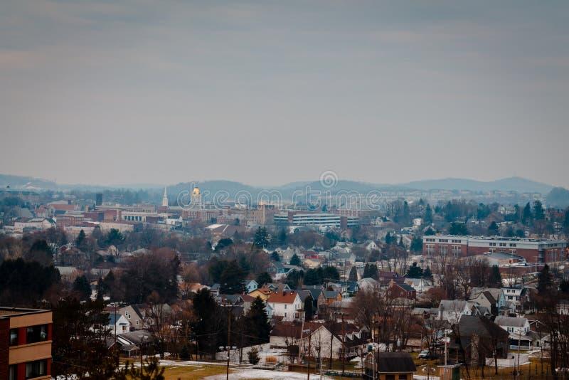 Widok Indiana Pennsylwania od St Bernard kościół podczas zimy obraz royalty free