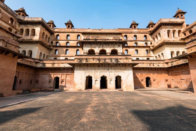 Widok Jahangir Mahal lub Raja pałac wśrodku Orchha fortu kompleksu zdjęcia stock