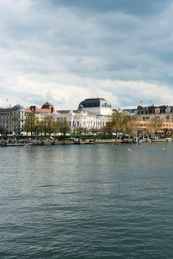 Widok Jeziorny Zurich Zurich z operą i śródmieście fotografia stock