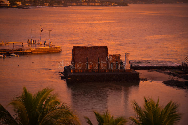 Widok Kailua-Kona zatoka od królewiątka Kamehameha Koniec plaży austerii obraz royalty free