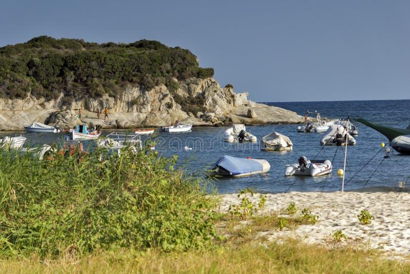 Widok Kalamitsi plaża, Chalkidiki, Sithonia, Środkowy Macedonia obrazy royalty free