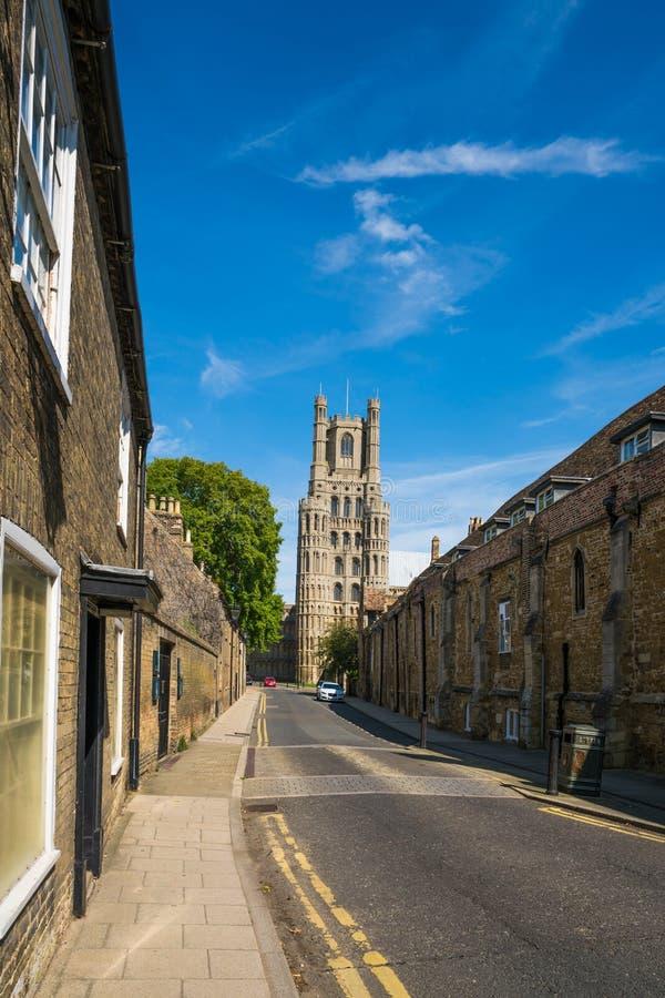 Widok katedra puszek ulica w Ely, Cambridgeshire zdjęcia royalty free