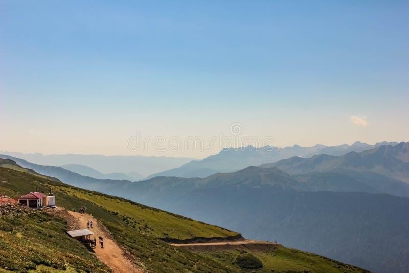 Widok Kaukaz góry, Rosa Khutor, Sochi, Rosja, 2014ÑŽ zdjęcie royalty free