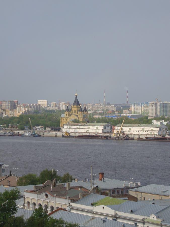 Widok kościół i Volga rzeka w Nizhny Novgorod, Rosja obraz stock