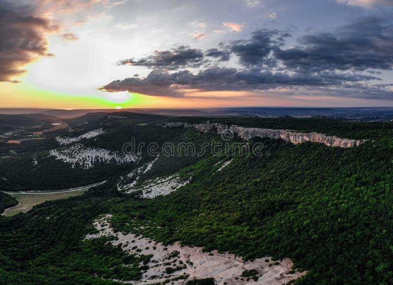 Widok Krymskie góry podczas zmierzchu zdjęcie stock